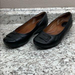 Clark Artisan black leather flats  Size 6